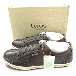 Taos Freedom Sneakers Gray Embellished Leather